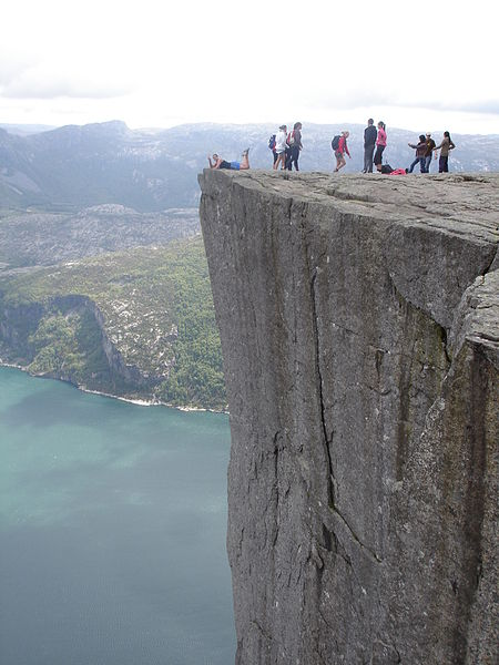 preachers-rock-preikestolen