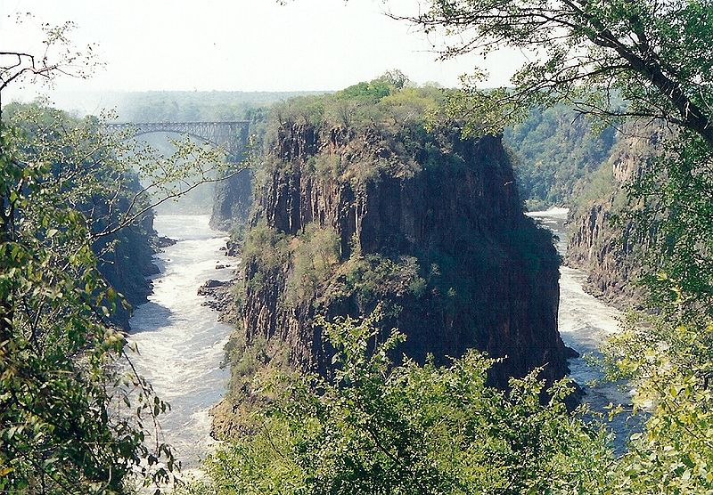 Victoria_Falls_gorge1