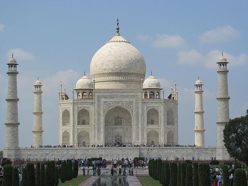 Taj_Mahal_inside_view_02