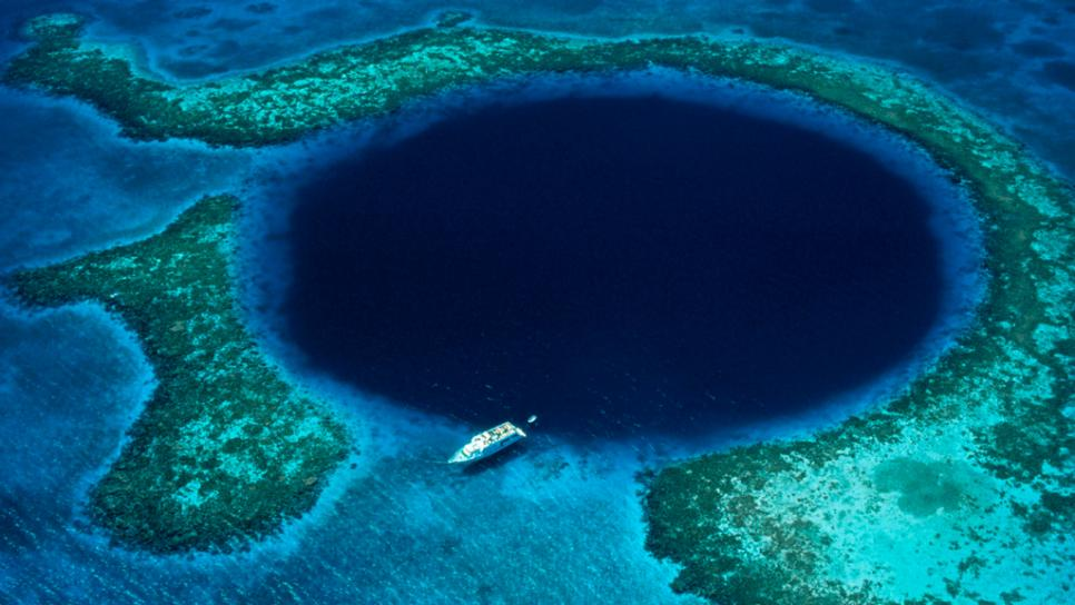 belizes-great-blue-hole