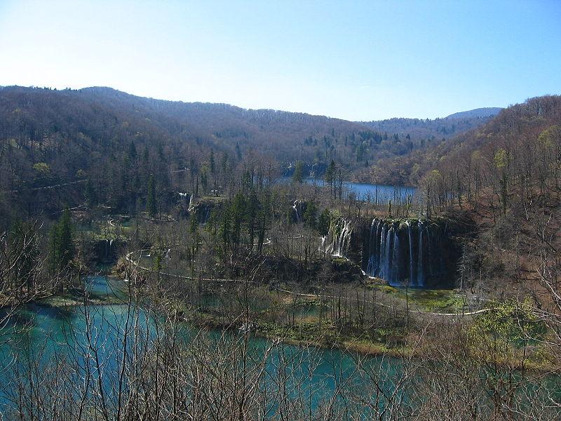 Plitvice_Lakes_Galovac_Waterfall