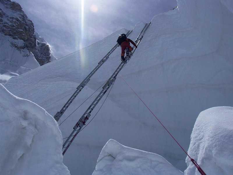 Inside_Khumbu-Icefall